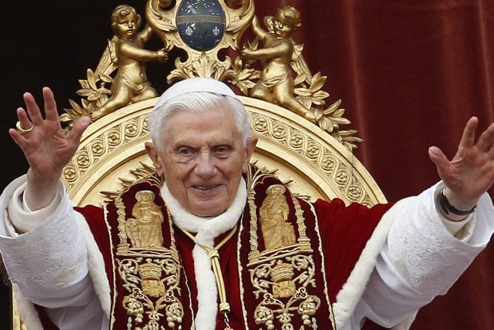 Papa Bento XVI, após mensagem de Natal, em 25 de Dezembro de 2012
