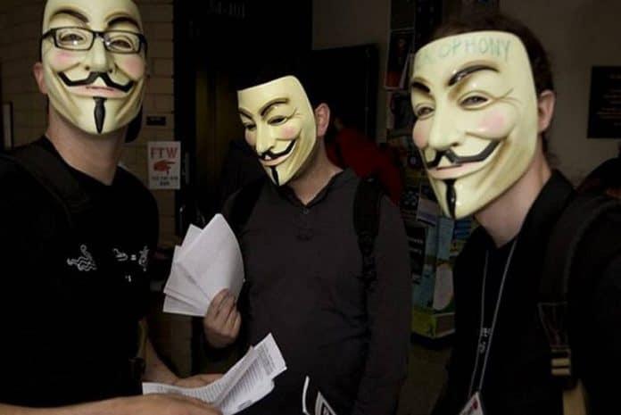 Membros dos Anonymous
