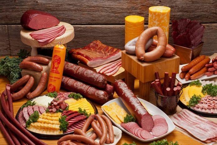Carnes processadas com risco cancerígena