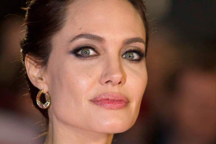 A verdade sobre a Mastectomia Dupla de Angelina Jolie