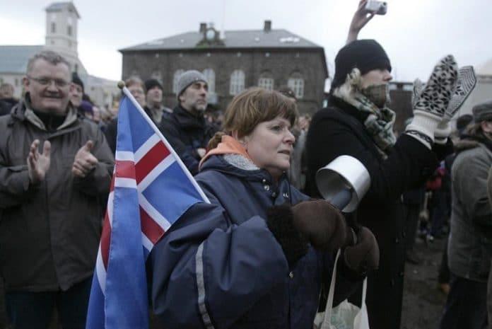 Islândia em processo de adesão à União Europeia, numa altura em que o país pode ser alvo