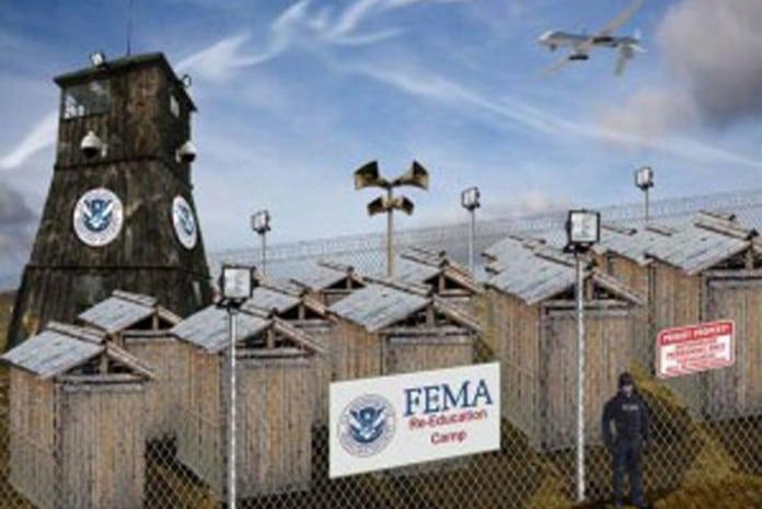 Campos de sem-abrigos da FEMA