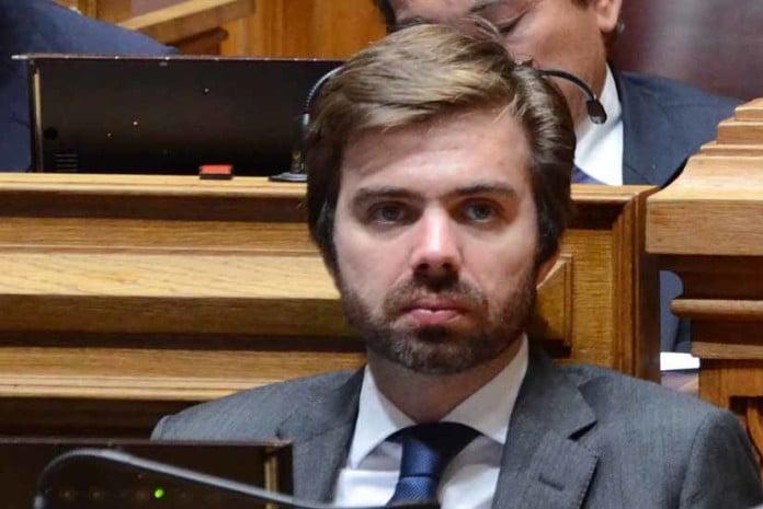 Deputado João Almeida