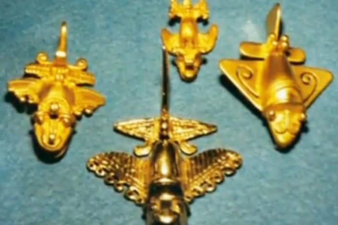 Artefactos com cerca de 1500 anos de idade feitos de ouro e em forma de aeronaves