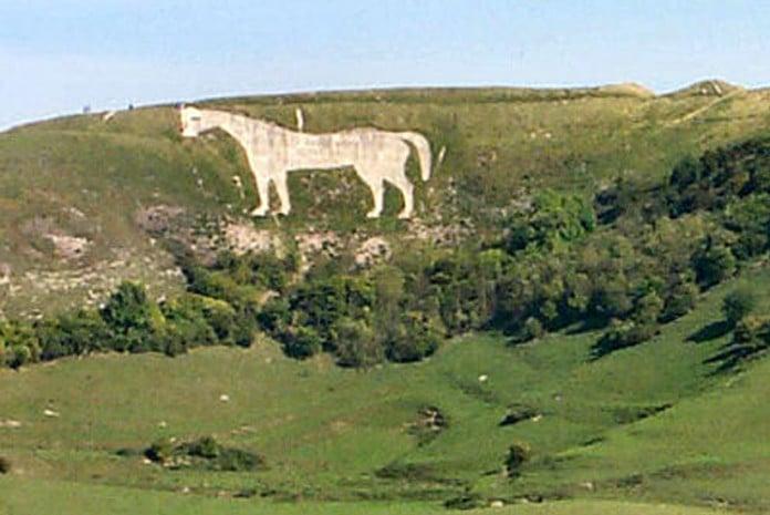 Geoglifos enormes na turfa dos montes ingleses