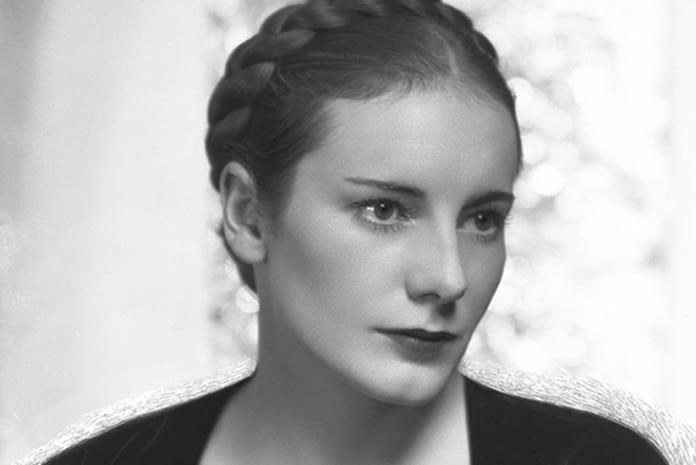 Escritora Joan Grant (1907-89)
