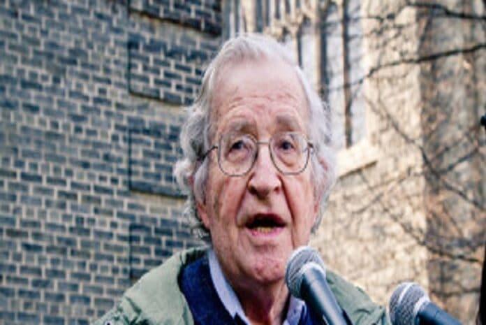 Noam Chomsky a discursar em Toronto em 2011