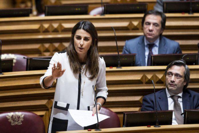 Deputada Teresa Anjinho