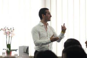 André Dourado é um conceituado professor de Medicina Natural, partilha o seu conhecimento por diversos países, como Portugal, Espanha e Brasil.